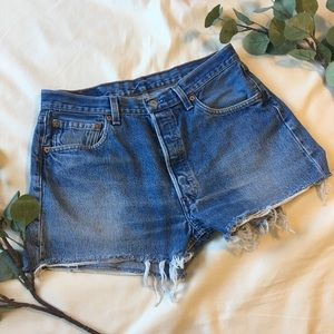 Levi's   501 Vintage High Waisted Mom Shorts H164
